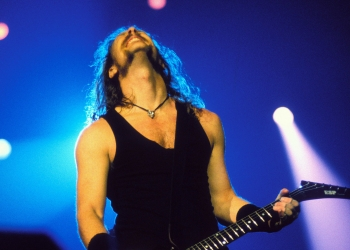 LONDON, UNITED KINGDOM - MARCH 25: James Hetfield, vocals and guitar, performs with Metallica at the Wembley Arena on May 4th 1992 in London, United Kingdom. (Photo by Frans Schellekens/Redferns)
