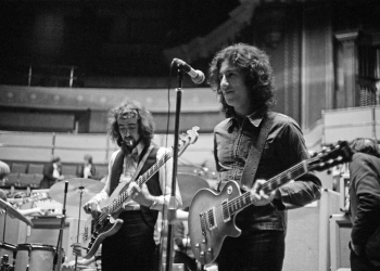 Guitarist Peter Green (right) and bassist John McVie, of British rock group Fleetwood Mac, rehearsing at the Royal Albert Hall, London, 22nd April 1969. (Photo by Michael Putland/Getty Images)