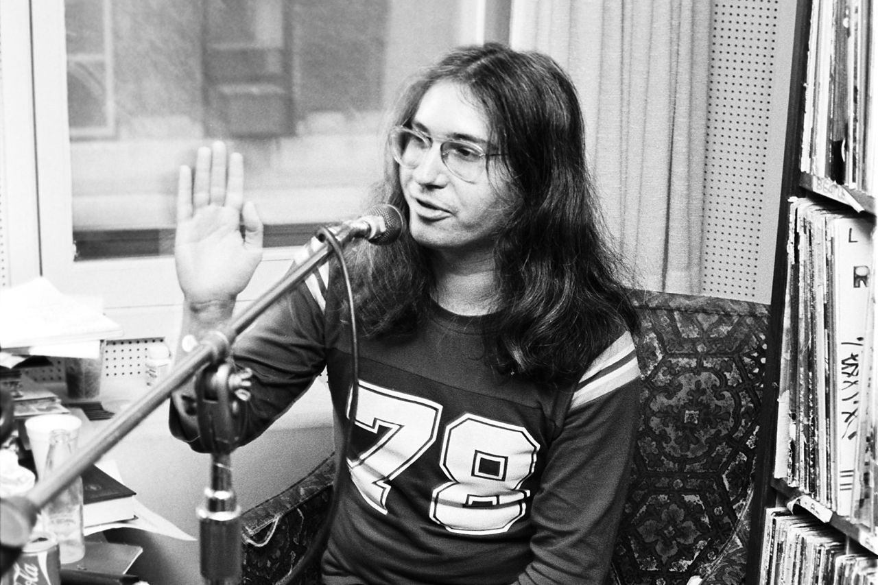 Jim Steinman doing a radio interview at WMMR to promote the Meatloaf album Bat Out of Hell. Philadelphia, PA. March, 1977. Credit: Scott Weiner/MediaPunch /IPX